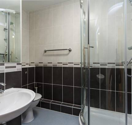 En-suite Bathroom at Lincoln Student Accommodation Scheme
