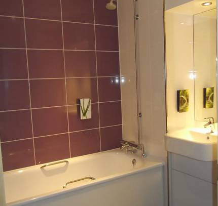 bathroom pod premier inn