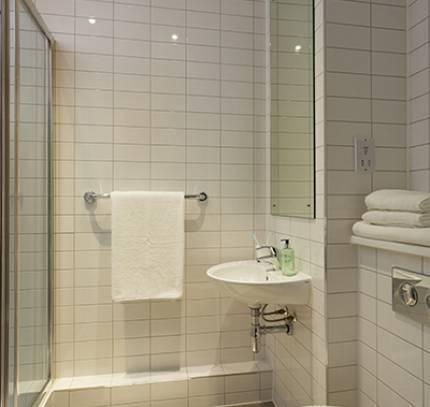 En-suite Student Bathroom - Bath Modular student accommodation
