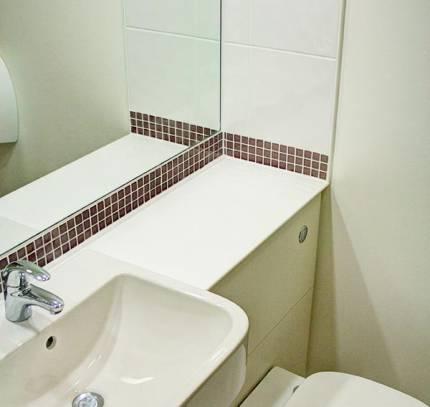 Shower-Pod-Premier-Inn-Waterloo