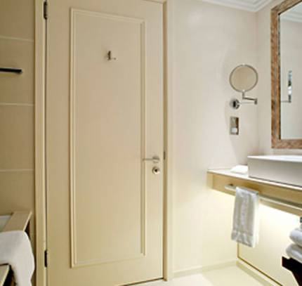 Bathroom Pods - St Pancras, London, Marriott Hotel